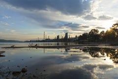 Fleuve pollué photo libre de droits