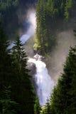 Fleuve sauvage de montagne Images libres de droits
