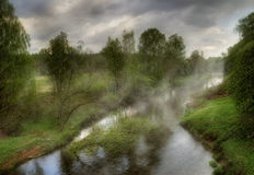 Fleuves brumeux de la Russie Photos libres de droits