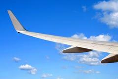 Flügel eines Flugzeuges Lizenzfreies Stockfoto
