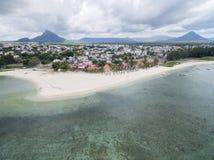 FLIC-EN FLAC, MAURITIUS - DECEMBER 04, 2015: Landskap och strand i Mauritius Fotografering för Bildbyråer