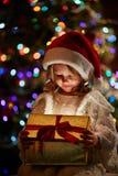 flicka aktuella santa Fotografering för Bildbyråer