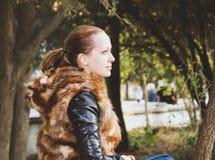 Flicka eller kvinna Fotografering för Bildbyråer