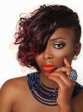 Flicka för afrikansk amerikanmodeskönhet Fotografering för Bildbyråer