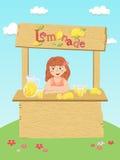 Flicka för lemonadställning Arkivfoton