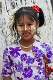 Flicka från Mandalay, Myanmar Fotografering för Bildbyråer