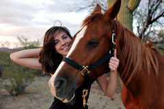 flicka henne häst Royaltyfria Foton