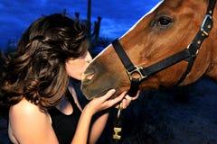 flicka henne häst Fotografering för Bildbyråer