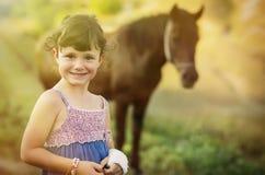 flicka henne häst Royaltyfri Bild