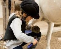 flicka henne ponny Fotografering för Bildbyråer