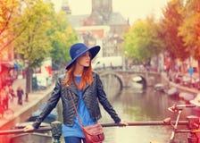 Flicka i Amsterdam Royaltyfri Fotografi