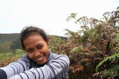 Flicka i berg Arkivbilder