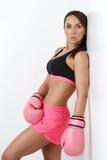 Flicka i boxninghandskar Arkivbilder