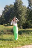 Flicka i en sommar royaltyfria foton