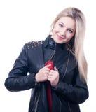 Flicka i ett läderomslag royaltyfri foto