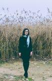Flicka i exponeringsglas royaltyfri bild