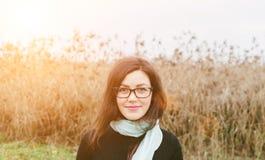 Flicka i exponeringsglas royaltyfri foto