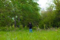 Flicka i jeans Royaltyfri Bild