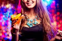 Flicka i nattklubb Arkivfoto