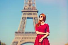 Flicka i Paris Arkivbild