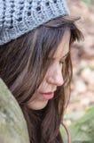 Flicka i trät Royaltyfria Bilder
