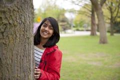 Flicka i utomhus royaltyfria foton