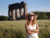 Flicka i vetefältet, panelljus Royaltyfria Foton