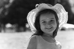 flicka isolerad le white Arkivbilder
