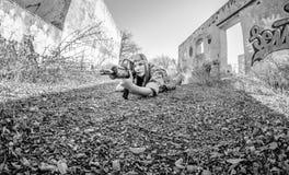 flicka isolerad militär white Arkivfoto