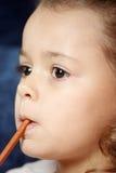 flicka little blyertspenna Arkivbild