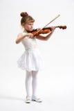 flicka little fiol arkivbild