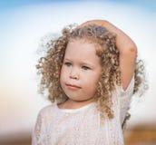 flicka little le för stående Royaltyfria Bilder