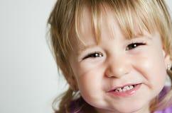 flicka little leende Arkivbilder