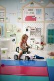 flicka little lekplats Royaltyfria Bilder