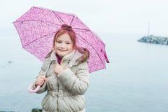 flicka little paraply Royaltyfri Fotografi
