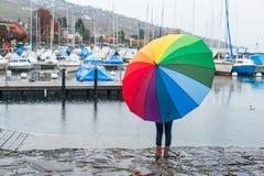 flicka little paraply Arkivbild