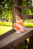 flicka little park Royaltyfri Bild