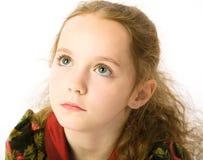 flicka little SAD stående royaltyfria bilder