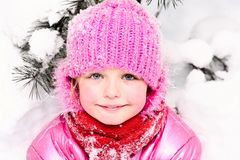 flicka little snow Fotografering för Bildbyråer