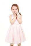 flicka little som är blyg Arkivbild