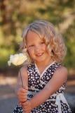 flicka little som är nätt Arkivfoto