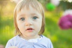 flicka little som är SAD Royaltyfri Foto