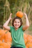 flicka little som leker Fotografering för Bildbyråer