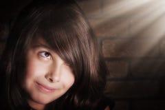 flicka little som ler arkivbild