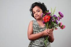 flicka little som ler Royaltyfria Foton