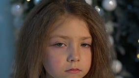 flicka little som ler Närbild stock video