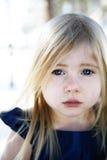 flicka little som är SAD Royaltyfria Foton