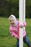 flicka little som skriker Arkivfoto