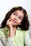 flicka little som tänker Royaltyfria Bilder