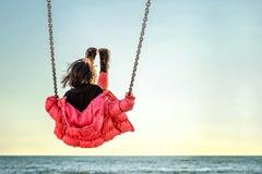 flicka little swing Royaltyfri Bild